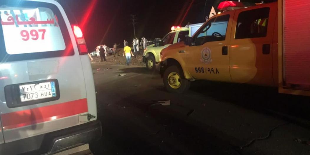 7 وفيات و5 إصابات في حادث تصادم على طريق المدينة القصيم القديم