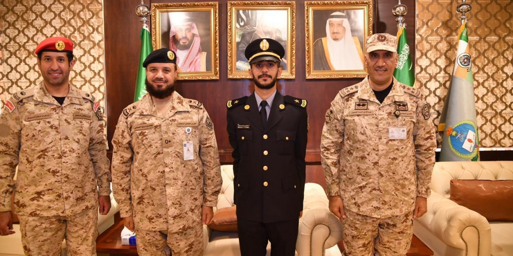 عبدالعزيز الجعوان يحتفل بتخرجه من كلية الملك خالد العسكرية