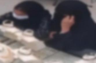 القبض على 4 مواطنين ارتكبوا 47 جريمة سرقة من متاجر الذهب - المواطن