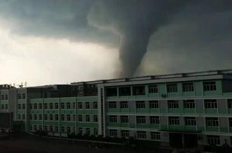 إعصاران يضربان الصين ويتسببا في قتل العشرات (4)