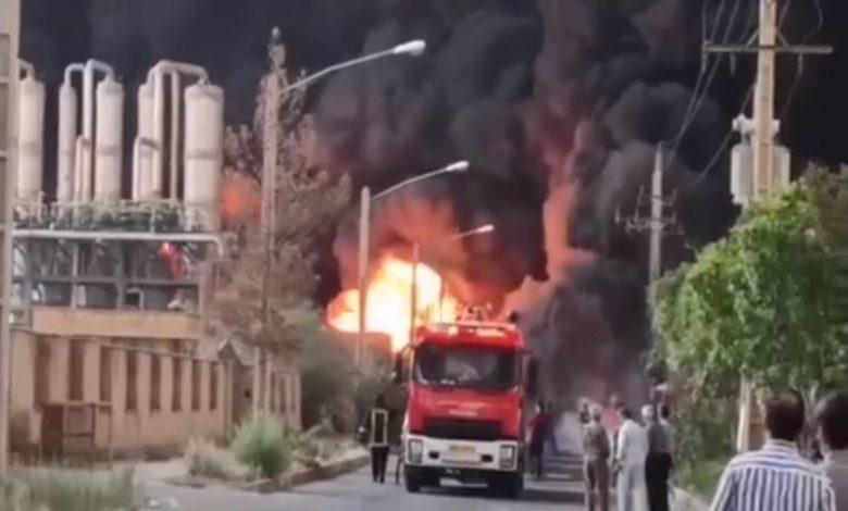 إيران تشهد اندلاع حريق كبير في مدينة قم (2)