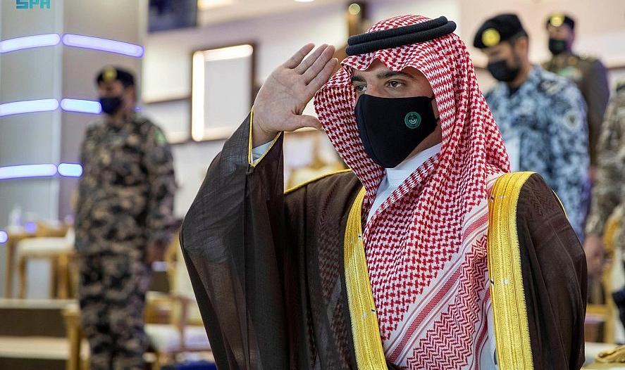 وزير الداخلية يرعى حفل تخرج كلية الملك فهد: مستمرون في التطوير لرفع الكفاءة