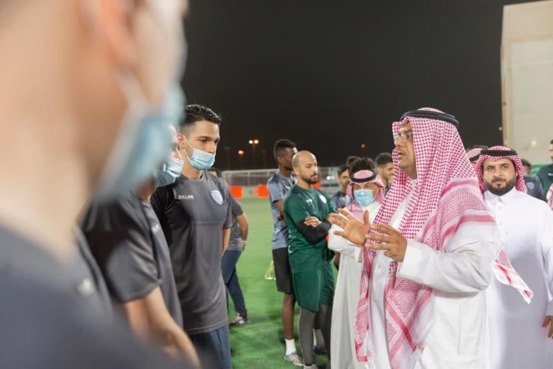 الأمير منصور بن محمد آل سعود في نادي الباطن