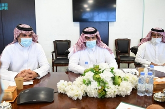 آل جابر يعقد اجتماعًا مع ممثلي الانتقالي الجنوبي لاستكمال تنفيذ اتفاق الرياض - المواطن