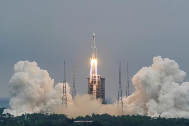 معلومات وبيانات مهمة حول الصاروخ الصيني
