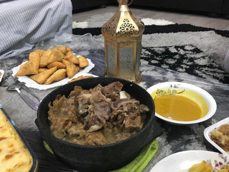 الباقات العطرية والأكلات الشعبية تنشر مظاهر الفرح بالعيد في عسير - المواطن