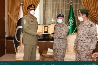 الفريق الرويلي يبحث العلاقات الثنائية مع قائد الجيش الباكستاني - المواطن