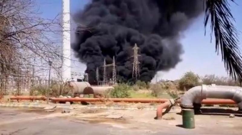 انفجار ضخم بشركة بتروكيماويات في إيران (1)