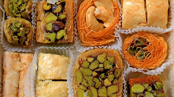 حيلة بسيطة لتقليل كمية تناول الحلويات في رمضان (3)