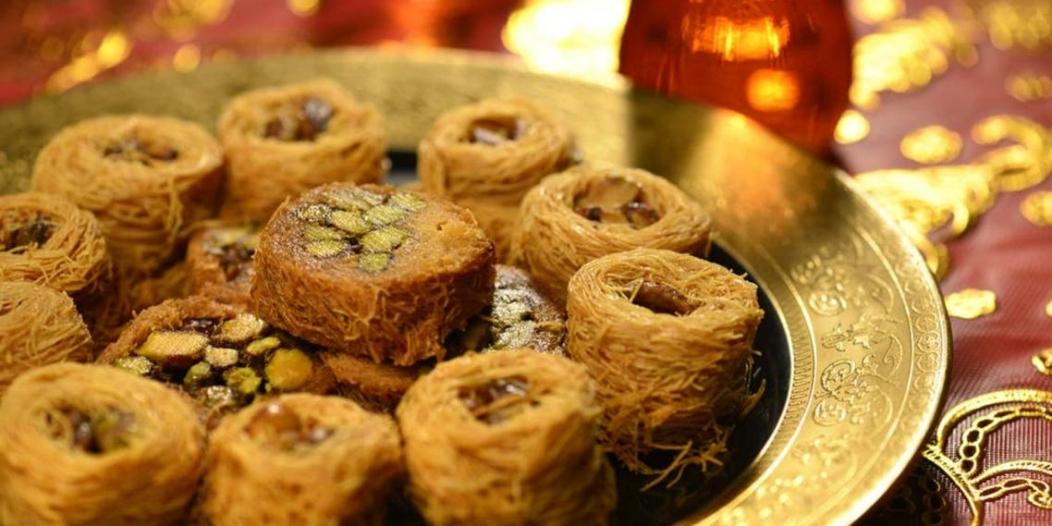 حيلة بسيطة لتقليل كمية تناول الحلويات في رمضان