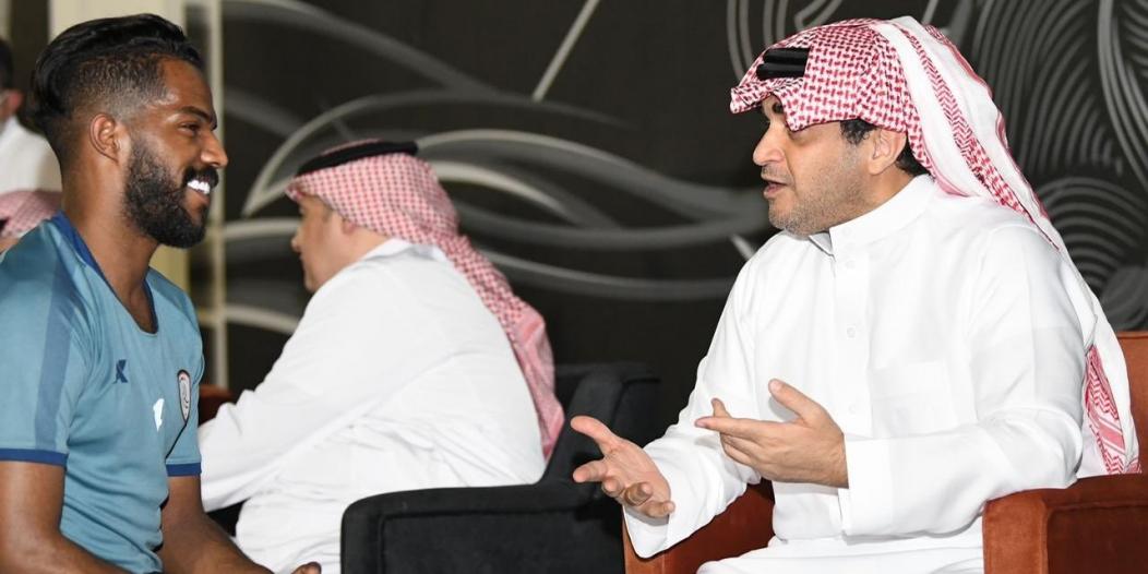 خالد البلطان يدعم الشباب قبل العين