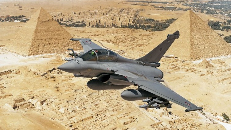 دلالة توقيت صفقة مصر وفرنسا بشأن مقاتلات الرافال