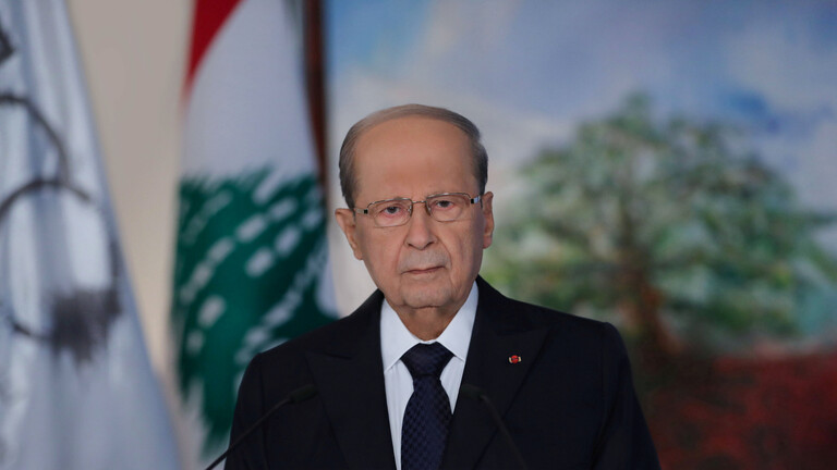 رئيس لبنان يطلب مساعدة فرنسا لاستعادة الأموال المهربة
