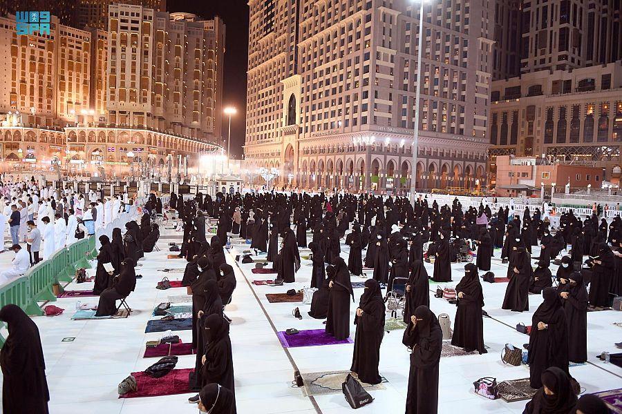 مشاهد من صلاة التراويح في المسجد الحرام ليلة 27 رمضان - المواطن