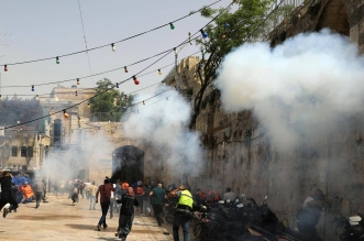 منظمة حقوقية: إسرائيل ترتكب جرائم حرب في غزة