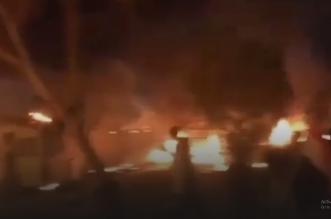 متظاهرون يضرمون النار بقنصلية إيران في كربلاء - المواطن