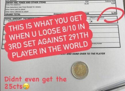لاعبة تنس تحصل على 2 يورو كمكافأة في بطولة !