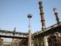 لحظة اندلاع حريق في أكبر حقول الكويت النفطية