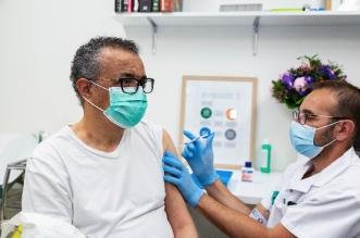 مدير منظمة الصحة العالمية يتلقى لقاح كورونا - المواطن