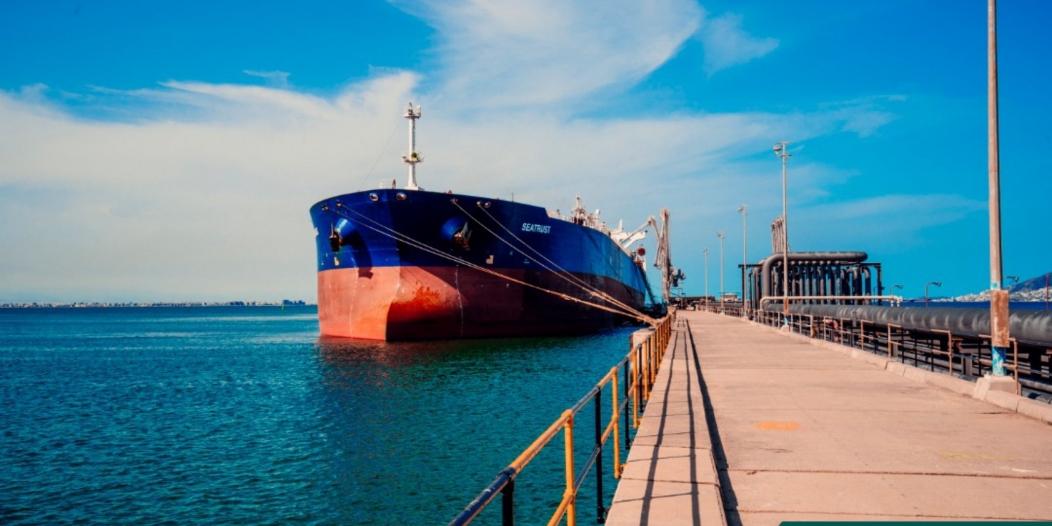 بقيمة 422 مليون دولار.. أولى دفعات منحة المشتقات النفطية السعودية تصل اليمن