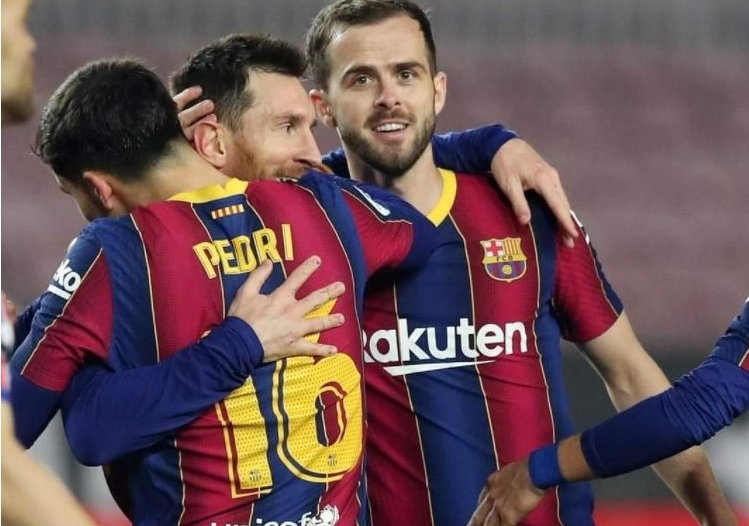النصر يفاوض نجم برشلونة