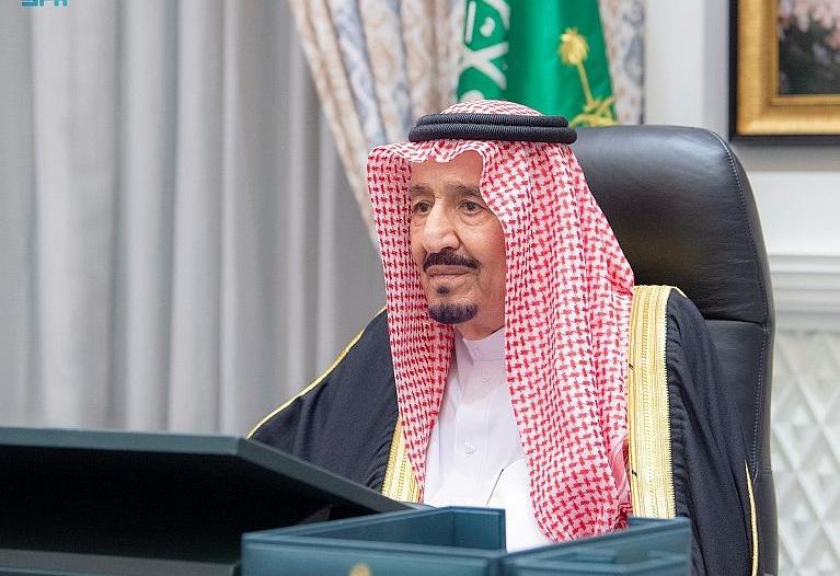 أمام الملك سلمان.. وزير الاقتصاد والتخطيط يؤدي القسم