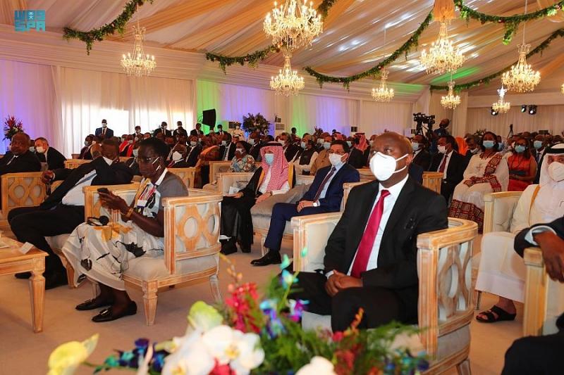 نيابة عن الملك سلمان.. قطان يشارك في مراسم تنصيب رئيس جيبوتي - المواطن