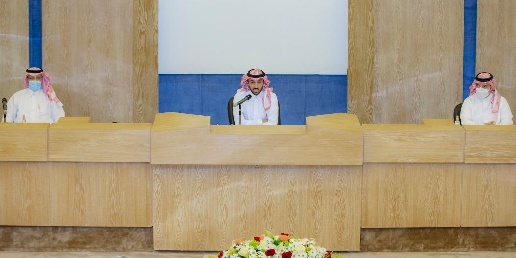 وزير الرياضة يجتمع برؤساء أندية دوري محمد بن سلمان