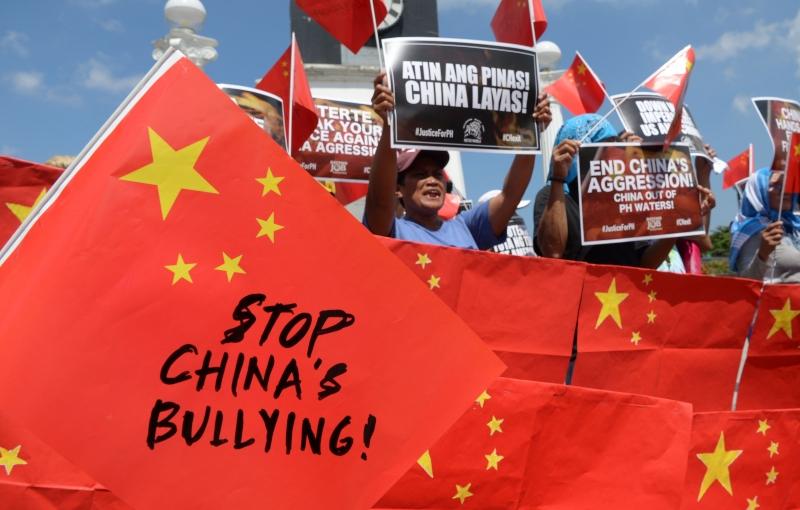 وزير خارجية الفلبين يكتب تغريدة بذيئة موجهة للصين ! (4)