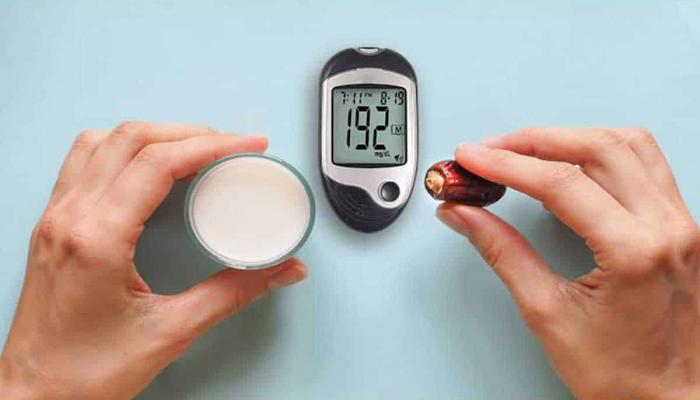 النمر: إذا نزل السكر تحت 70 عليك الإفطار