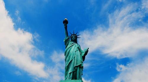 44 % من سكان العالم يرون الولايات المتحدة مهددة للديمقراطية !