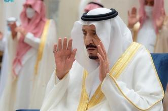 الملك سلمان يؤدي صلاة عيد الفطر المبارك - المواطن
