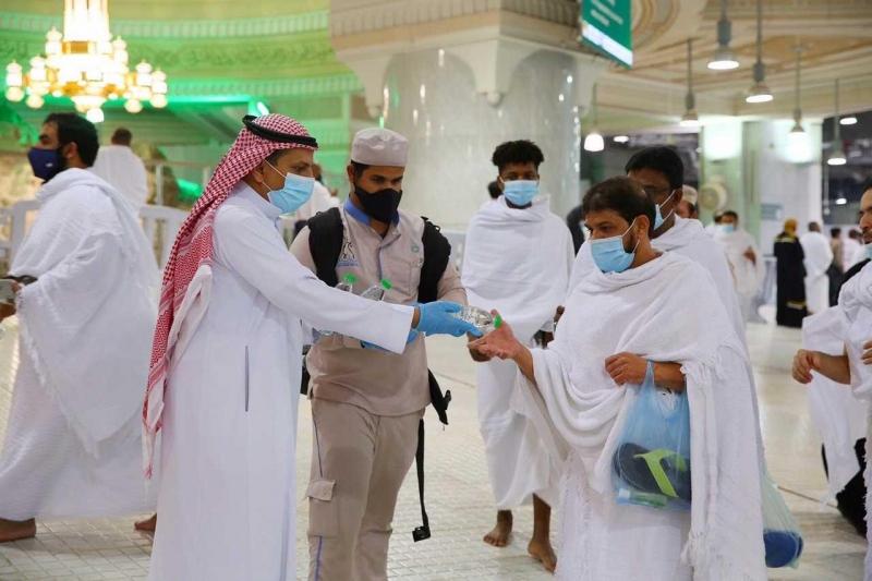 توزيع 200 ألف عبوة ماء زمزم ليلة 27 رمضان - المواطن