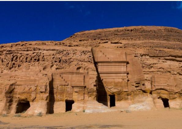 الحجر مدينة سعودية بمثابة أعجوبة معمارية