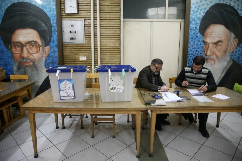 السباق يحتدم بين 5 مرشحين في الانتخابات الإيرانية