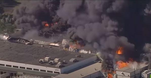 حريق هائل يلتهم مصنع كيمياويات في أمريكا