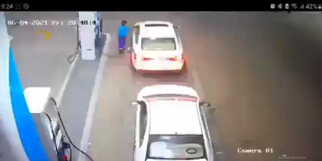 مدني القصيم يسيطر على حريق بمحطة وقود بسبب تدخين قائد مركبة