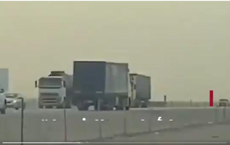 أمن الطرق يوقف شاحنة تسير عكس الاتجاه بالقوة في الرياض