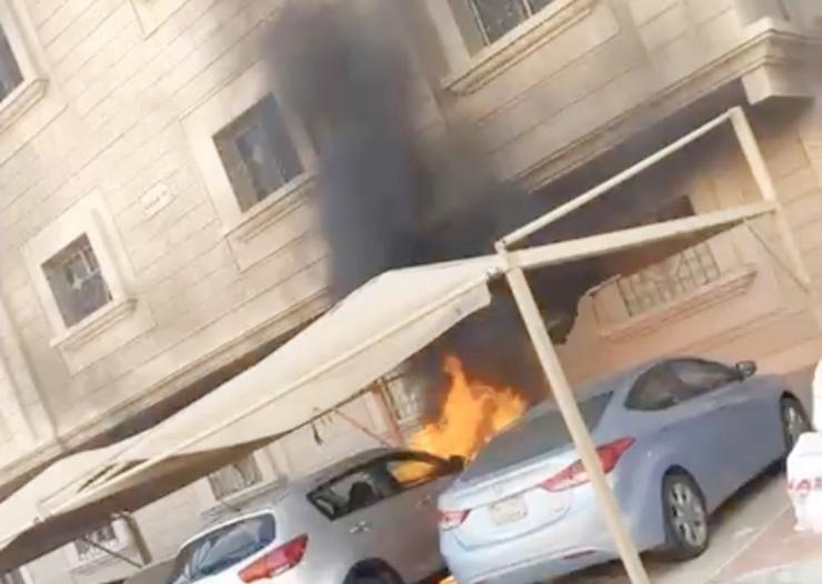 شاهد .. سعودي شجاع ينقذ العشرات من كارثة كبرى