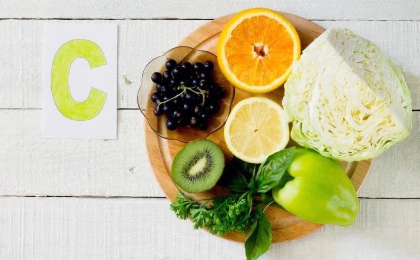 أعراض نقص فيتامين C أخطرها ضعف المناعة والإسقربوط