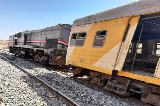 13 إصابة بحادث اصطدام قاطرة بقطار جنوب مصر - المواطن