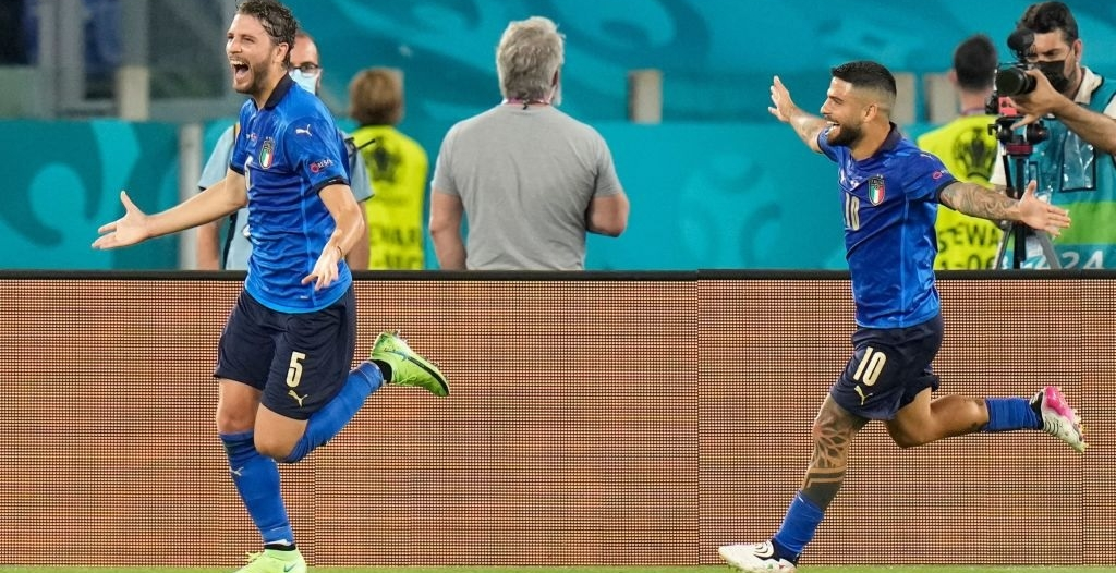 لوكاتيلي يتألق مع منتخب إيطاليا