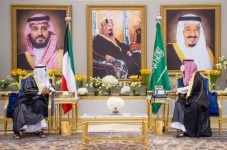 محمد بن سلمان يستقبل ولي عهد الكويت لدى وصوله الرياض