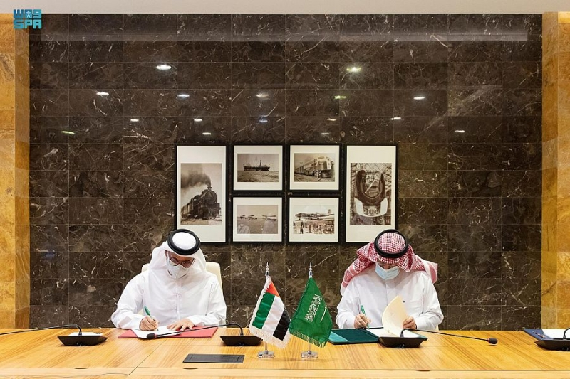 السعودية والإمارات توقِّعان مذكرة تفاهم في أمن الطيران - المواطن