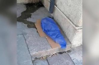 مقطع صادم لجثة طفل على الأرض يهز المجتمع العراقي