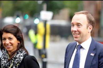 من هي عشيقة وزير الصحة البريطاني التي تسببت في الإطاحة به ؟