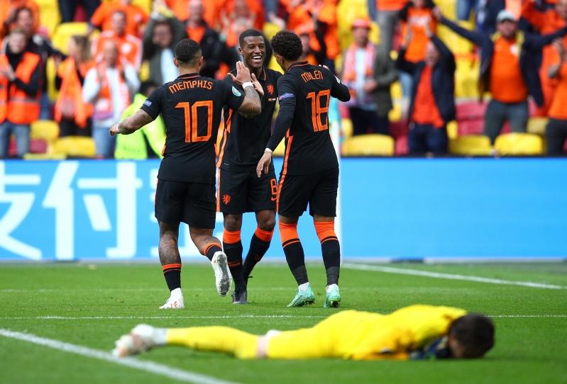 هولندا ضد مقدونيا