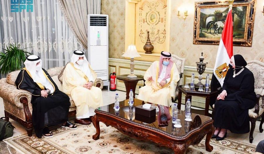 الوزير القصبي يصل القاهرة ويبحث تعزيز التعاون مع المسؤولين