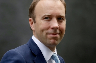 وزير الصحة البريطاني ينفصل عن زوجته بعد فضيحة الخيانة الزوجية