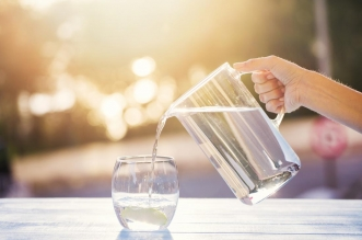 وظيفة بـ 15 ألف دولار مقابل شرب الماء 8 أسابيع !